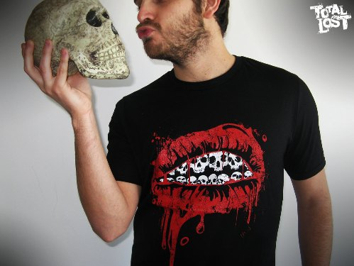 shirt men skull lips bloody black red white horror scary